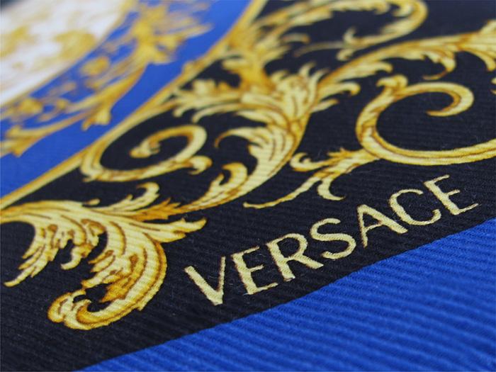 designer tagesdecke versace seide baumwolle polyester blau. Black Bedroom Furniture Sets. Home Design Ideas